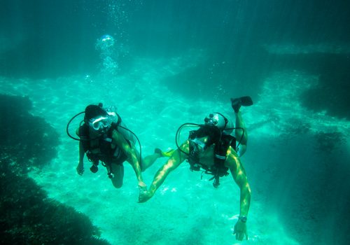 Experinces-Diving-Couple
