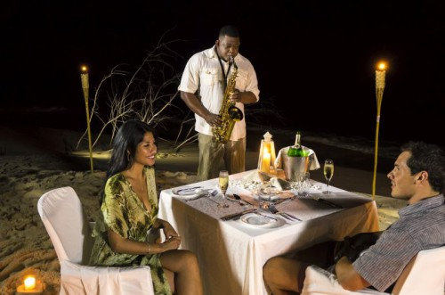 Couple Private Beach Dinner + Saxophonist