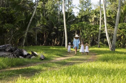 Family Walk Grass
